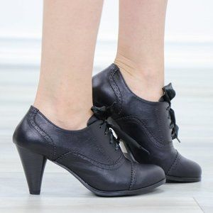 Laced-Up Low Cut Ankle Boots Women's Heeled Oxford